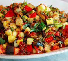 El ratatouille es una receta típica francesa, es ideal oara vegetarianos como plato fuerte pero también lo puedes servir como guarnición.