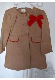 Eva Castro Abrigo Flores de Otoño    http://www.suenodehadas.com/tienda/index.php?route=product/product&manufacturer_id=17&product_id=473