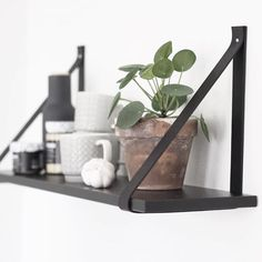 Olive & mint Leather Strap Shelves, Scandinavian Shelves, Diy Home Decor, Room Decor, Plant Shelves, New Room, Home Projects, Room Inspiration, Home Kitchens