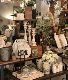 Fabulous Farmhouse Fall Decor Ideas Match For Any Room Model - Some have the unique conceived ability, while most others set aside some effort to get familiar with the expertise. Some can perceive how hues mix fla. Farmhouse Christmas Decor, Modern Farmhouse Decor, Rustic Decor, Vintage Fall Decor, Antique Farmhouse, White Farmhouse, Antique Decor, Christmas Kitchen, Home Decor Signs