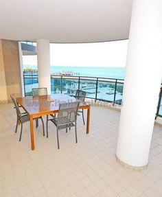 Residence Sky, Lignano Sabbiadoro, Itálie, moderní ubytování, dovolená u moře, blízko pláže, písečná pláž, garáž, parkoviště, dvě koupelny, rodinná dovolená, pes povolen, mají bezpečnostní dveře, TV, klimatizaci trezor, mikrovlnná troubu, myčka a pračka, fén, kávovar, WiFi, výtah, balkón, výhled na moře, panoramatický výhled, Benátská riviéra, severní Jadran, dovolená v Itálii, rodinná dovolená.