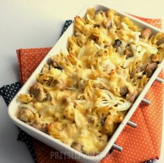 Macaroni casserole with mushrooms and chicken - Kulinaria - Makaron Macaroni Casserole, Macaroni And Cheese, Stuffed Mushrooms, Chicken, Cooking, Ethnic Recipes, Food, Halloween, Gastronomia