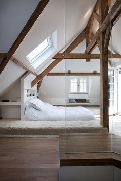 Modern bedroom. Via reckless. Villennes-sur-Seine Residence by Olivier Chabaud Architecte