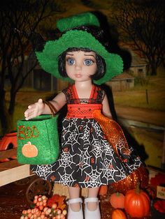 Trick or Treat, hat bag and dress for 10 in Ann Estelle, Patsy or BJD