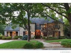 3752 S Xanthus Ave Tulsa Ok 74105 Realtor Com House Exterior French House Renting A House