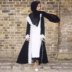 "S A B I N A H A N N A N on Instagram: ""Love this open abaya from @eastern_influence ⚜"""