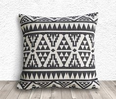 Pillow Covers, Aztec Pillow Cover, Tribal Throw Pillows, Decorative Throw Pillows, Linen Pillow Cover 18x18 - Printed Geometric - 038