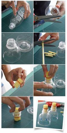 Een plastic fles, een rietje en een elastiekje; meer materialen zijn niet nodig om deze bellenblaas te maken.