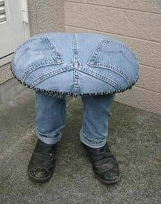 recycled jeans stool...too cute! Great idea but no instructions. I think I can figure this out. It looks like something the red queen would do to a person when she got mad. This is WEIRD!! Would be cut though as a Halloween decoration to set a pumpkin on or a bowl of candy