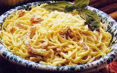 Finally an authentic carbonara recipe I must try this soon. I miss real Italian carbonara so much! Carbonara Recipe Authentic, Italian Pasta Recipes Authentic, Italian Recipes, Italian Cooking, Pasta Dinner Recipes, Easy Pasta Recipes, Cooking Recipes, Recipe Pasta, Spaghetti Recipes