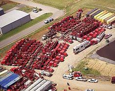 Finding A Job In North Dakota : The Bakken Oil Drilling Boom Oilfield Trash, Oilfield Life, Oil Field Jobs, Texas Oil Fields, Oil Jobs, Work Camp, Companies Hiring, Energy Services, Gas Company