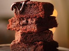 Watch: How to make Eggless Chocolate Brownie | Watch Easy Guided Recipes Video Online on Times Food Brownie Recipe Video, Brownie Recipes, One Bowl Brownies, Chocolate Brownies, Brownie Batter, Brownie Cookies, Food Lab, A Food, Easy Desserts
