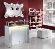 art. KING reception, #bancone #reception di piccole dimensioni con top in vetro e #illuminazione a #LED sul pannello frontale.