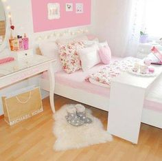 O Lado de Cá: Mesa para servir café ou usar com notebook na cama...