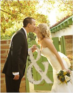 must have wedding photos | Green Villa Barn & Gardens.....