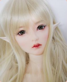 Supia Doll- Haeun. She comes with the pointed ears or without.