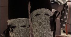 Muistaako teistä kukaan aikaa, kun kaikki sukat oli pääosin harmaita ja varsinkin lavat kudottiin harmaasta Harmon sukkalangasta. Muista me... Leg Warmers, Fingerless Gloves, Lava, Accessories, Shoes, Dresses, Fashion, Feminine Fashion, Mittens