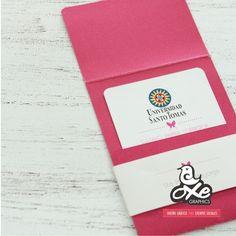 Las invitaciones han evolucionado, se han convertido en tarjetas de grado modernas  y dinamicas, nada que ver con las invitaciones tradicio...