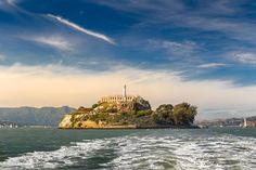 Alcatraz+Island!+Top+10+Things+to+do+in+San+Francisco+-+Read+more+on+Avenly+Lane+Travel!+