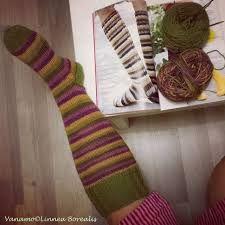 Kuvahaun tulos haulle syksyiset sukat Leg Warmers, Socks, Fashion, Leg Warmers Outfit, Moda, Fashion Styles, Sock, Stockings, Fashion Illustrations