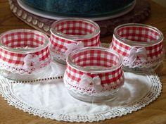 """Pot de dessert décoré dans un style  """"rétro campagne chic"""" avec un ruban vichy…"""