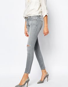 Current/Elliott Ankle Skinny Jeans With Ripped Knee And Distressing