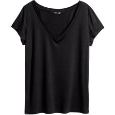 H&M V-neck top (£7.99) ❤ liked on Polyvore featuring tops, t-shirts, shirts, black, short sleeve v neck t shirt, black v neck t shirt, t shirts, black tee and black short sleeve t shirt