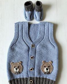 Herkese hayırlı cuma akşamları diliyorum işlerim birer birer tamamlanıyor yenidoğan setine bir yelek ve birde patik ekledim çok şık çok… Baby Patterns, Knitting Patterns, Knitted Baby Clothes, Booties Crochet, Slip Over, Baby Knitting, Zara, Embroidery, Sweaters