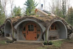 oh my gosh I want to go there so bad. Architecture Unique, Fairytale House, Underground Homes, Dome House, Mountain Homes, Earthship, Plein Air, Simple House, Gazebo