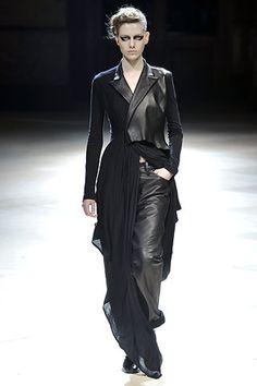 Yohji Yamamoto | Fall 2008 Ready-to-Wear Collection | Style.com