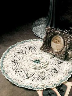 Snow Flower Doily  Complement a table with a delicate creation and create a family heirloom to be cherished forever.  Designed by Lois Waldschmidt  free pdf from free-crochet.com
