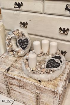 Stunning Christmas Sweater Wreath Advent Candles Decoration Ideas - Page 18 of 55 - Chic Hostess Christmas Advent Wreath, Silver Christmas Decorations, Christmas Candles, Christmas Centerpieces, Christmas Crafts, Christmas To Do List, Advent Candles, Decorating With Pictures, Hygge