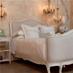 Eloquence Sophia Upholstered Antique White Bed