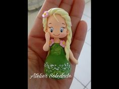 Apontador boneca Minnie  Biscuit - Katia Soledade Pasta Flexible, Cold Porcelain, Gum Paste, Clay Art, Tinkerbell, Biscuits, Youtube, Polymer Clay, Crafts For Kids