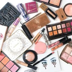 """""""What my desk looks like after getting ready for an Engagement Party tonight Makeup Blog, Makeup Tips, Beauty Makeup, Huda Beauty, Charlotte Tilbury, Best Drugstore Foundation, Beauty Brushes, Pinterest Makeup, Skincare Blog"""