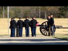 Military Funeral, Medal of Honor Recipient, Ret. US Army Col. James L. most amazing thing i might have ever watched amazing how he was laid to rest Us Military, Us Army, American Special Forces, Medal Of Honor Recipients, Unknown Soldier, Army Watches, Ptsd, Marines, Funeral