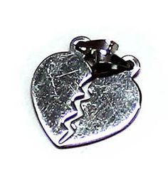 ciondolo a forma di cuore spezzato piatto