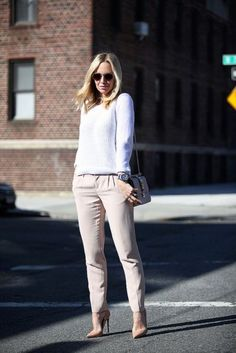 15-cool-ways-to-style-a-simple-sweater-for-spring-5