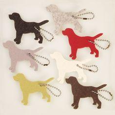 Kleiner Labrador aus Filz ein Katzenspielzeug oder Schlüsselanhänger, Labrador out of felt, cat toy or a keychain, Labrador di feltro, giocattoli gatto o un portachiavi