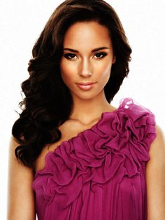 ❧ Alicia Keys  Gorgeous Woman