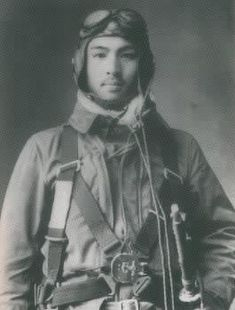 Vintage Photos of Glamour and War Japanese History, Japanese Men, Vintage Japanese, Kamikaze Pilots, Men In Uniform, Pilot Uniform, Imperial Japanese Navy, Military Pictures, History Of Photography