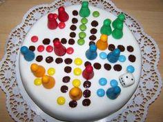 Ki nevet a végén társas torta