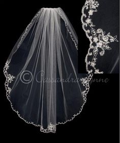 Scalloped Fingertip Bridal Veil with Pearls
