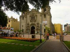 Iglesia Virgen de la Medalla Milagrosa, Miraflores