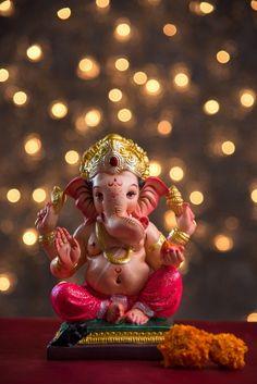 Ganesh Wallpaper, Lord Shiva Hd Wallpaper, Lord Krishna Wallpapers, Shri Ganesh Images, Ganesha Pictures, Baby Ganesha, Ganesha Art, Krishna Art, Ganpati Bappa Photo