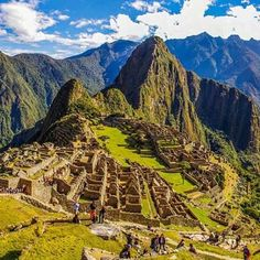 Turn phone to left and you will see the inca. Gírala a la izquierda y verás al #Inca.