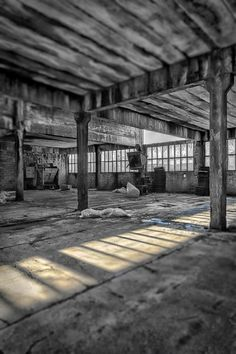 https://flic.kr/p/Fxvr54 | Industrial interior of an old factory building…