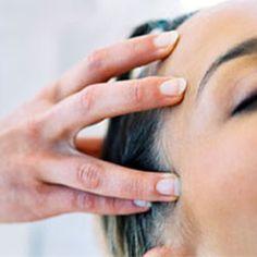 Natural Oils For a Herbal Hair Boost Le Reiki, Hair Boost, Coconut Oil Hair Mask, Hair Serum, Prevent Hair Loss, Natural Oils, Natural Beauty, Fine Hair, Hair Growth