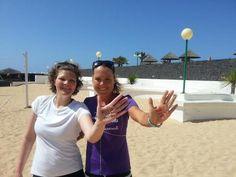 Triatlet Michelle Vesterby og driver Karina siger #HOLDOMMIG på Club La Santa