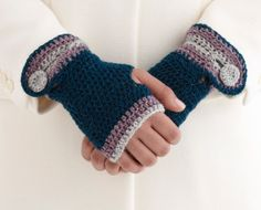 Crocheted Buttoned Wristers - free pattern